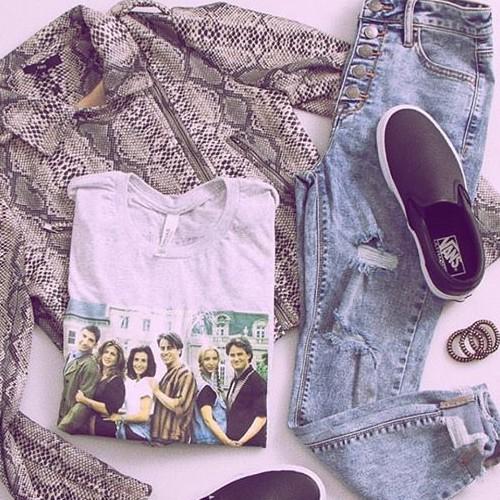 Fate snake Moto + F•R•I•E•N•D•S . . . . . . . #fatebylfd #detail #keepitsimple #snakeprint #motojacket #fashioninspo #lookoftheday #ootd #wiw #fashionblog #simple #instafashion #essentials #fashionblog #fashionlife #fashionista #fashionblogger #basics #outfitoftheday #styled #animalprint #styledshoot #easytowear #lovethislook #chic #styleoftheday #streetstyle #streetwearfashion #clothingbrand #clothingline #trendy-