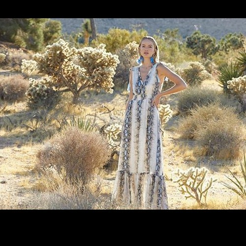 Did you say snake? 🐍 Snake print dress that is!  Get lost in one of our fabulous dresses: Fate style FD 1804 Blue Multi! . . . . #fatebylfd #fate #bluemulti #dress #snakeprint #snakeprintdress #desert #fabulous-